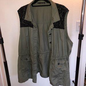 •Plus Size Utility Vest•